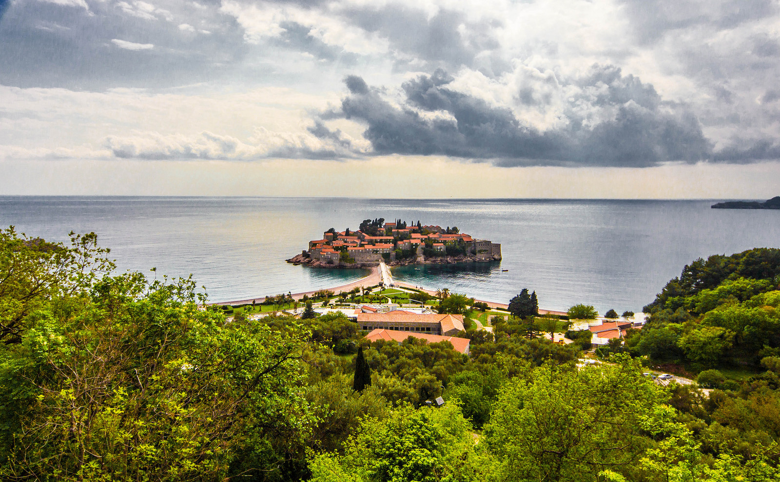 crna_gora_montenegro_st_stefan_sveti_stefan_luxury_travel_concierge_antropoti