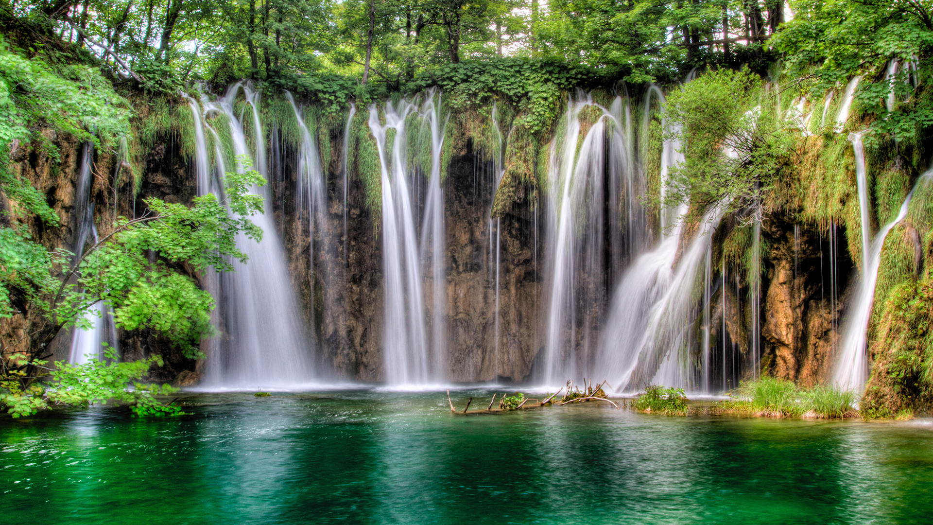 plitivice-waterfalls-antropoti-travel